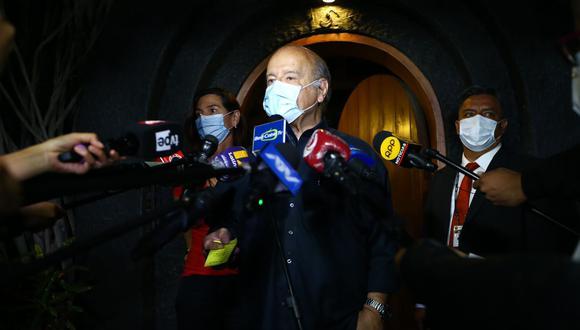 Hernando de Soto refirió que las presentes elecciones han significado la victoria de dos posturas extremas. (Foto. GEC)
