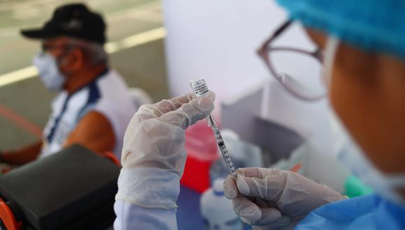 En el país actualmente se requieren dos dosis para vacunar a las personas contra el coronavirus. (Foto: Archivo de GEC)