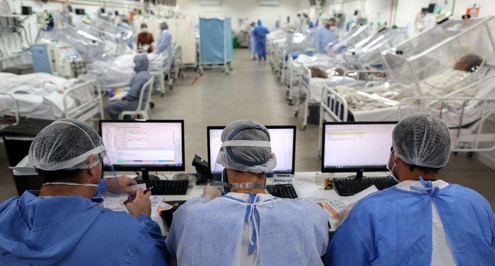 Vista de la Unidad de Cuidados Intensivos que trata a pacientes con coronavirus COVID-19 en el Hospital Gilberto Novaes en Manaos (Brasil) (Foto: AFP/MICHAEL DANTAS)