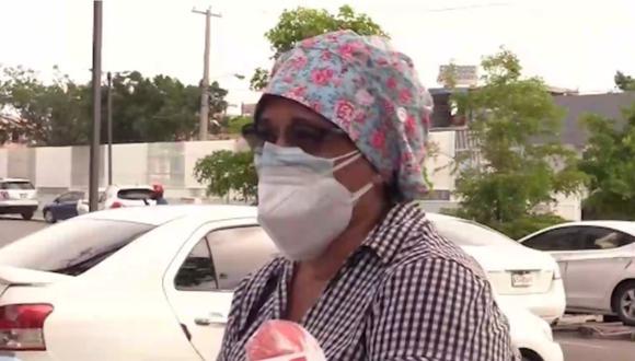 Venecia Betances se disfrazó de enfermera para ingresar al hospital donde estaban internados sus padres por coronavirus. | Foto: Captura de pantalla de Telemundo.