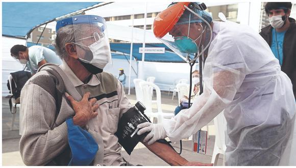 Gobernador confirma que vacunación a adultos mayores se iniciará en cuatro distritos.