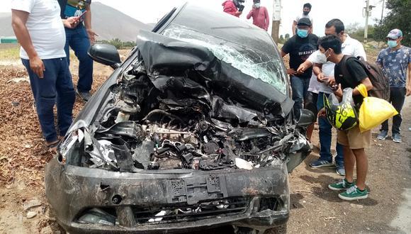 Un policía que iba como copiloto encontró trágica muerte en la Panamericana Sur, distrito de Salas Guadalupe exactamente en el ingreso a la bodega El Catador. El trágico accidente ocurrió pasado el mediodía de hoy.