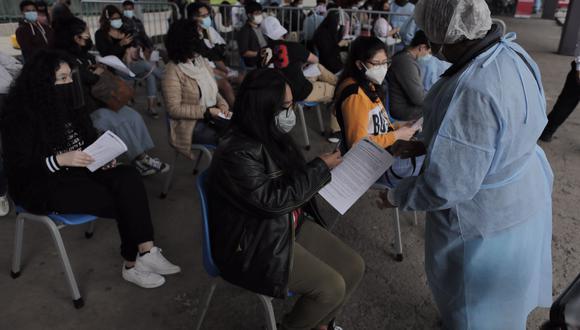 Los centros comerciales realizarán sorteos de S/ 1,000 de forma diaria para todos aquellos que ya hayan recibido sus dos dosis de la vacuna contra el COVID-19.