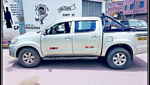 Vecinos hallaron una camioneta abandonada en la Ciudad de los Vientos