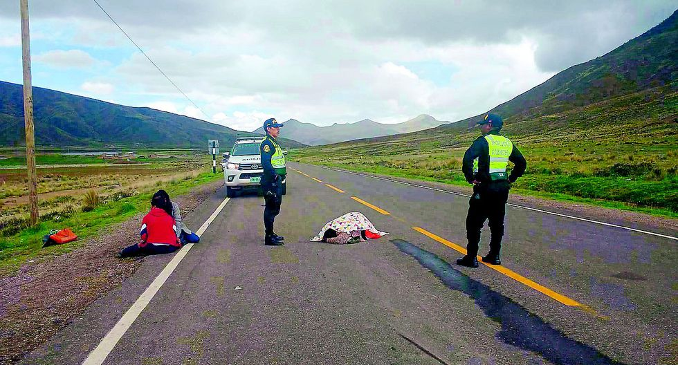 Mujer muere junto a su nieto de seis años en carretera Juliaca - Cusco