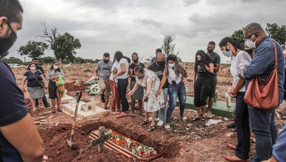 Las cifras confirman a Brasil como uno de los países más castigados por la COVID-19 y como el segundo en número de muertes después de Estados Unidos. (Foto:EFE).