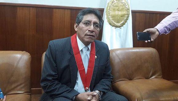 Pide cese a conflictos con el fiscal de la Nación