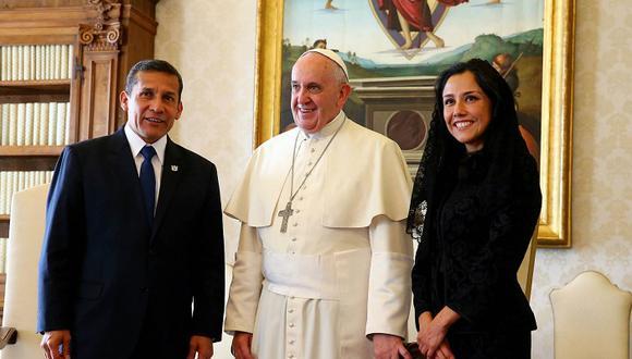 ¿Por qué Nadine Heredia usó una mantilla en la visita al papa Francisco?