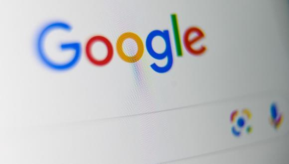 Tras este mensaje de error, Google ofrece tres opciones a los usuarios: obtener más información sobre la app, cerrar la aplicación y enviar comentarios a la compañía para informar del error. (DENIS CHARLET / AFP)