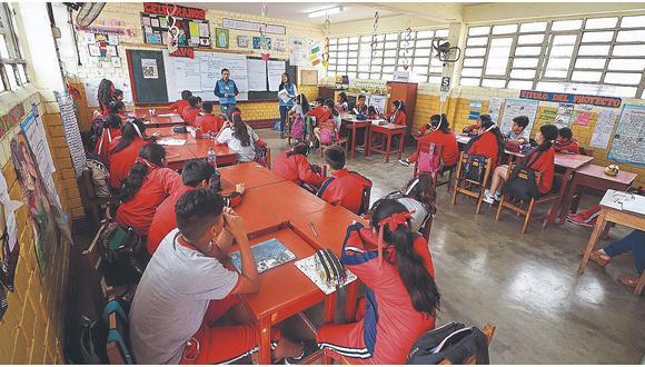 Ricardo Cuenca, titular del Minedu señaló que el 15 de marzo inicia el Año Escolar 2021, sin embargo no todos los escolares empezarán sus clases en esa fecha.