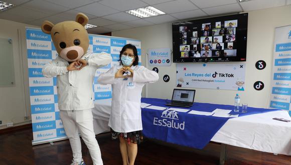 Pacientes de EsSalud mayores de 60 años participaron de divertido concurso de Tik Tok (EsSalud)