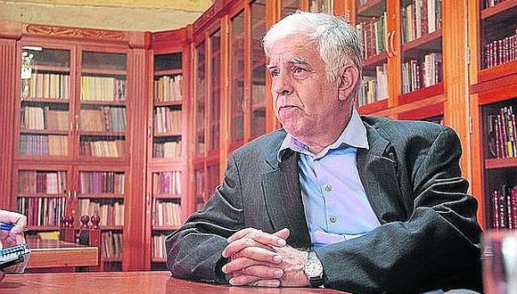 Alonso Cueto: los problemas en la política son resultado de gente que no lee