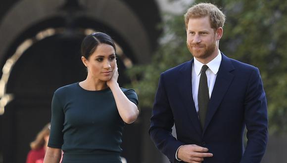 El príncipe Harry y su esposa Meghan llegan para una visita a Dublín, Irlanda. Imagen de archivo del 10 de julio de 2018. (AFP / POOL / CLODAGH KILCOYNE).
