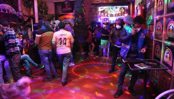 Intervienen y clausuran discoteca La Jarrita por realizar fiesta con 120 personas en su interior. (Foto: Municipalidad de Lima)