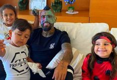 Arturo Vidal entregó su cabeza como cuaderno de dibujo a sus hijos (VIDEO)