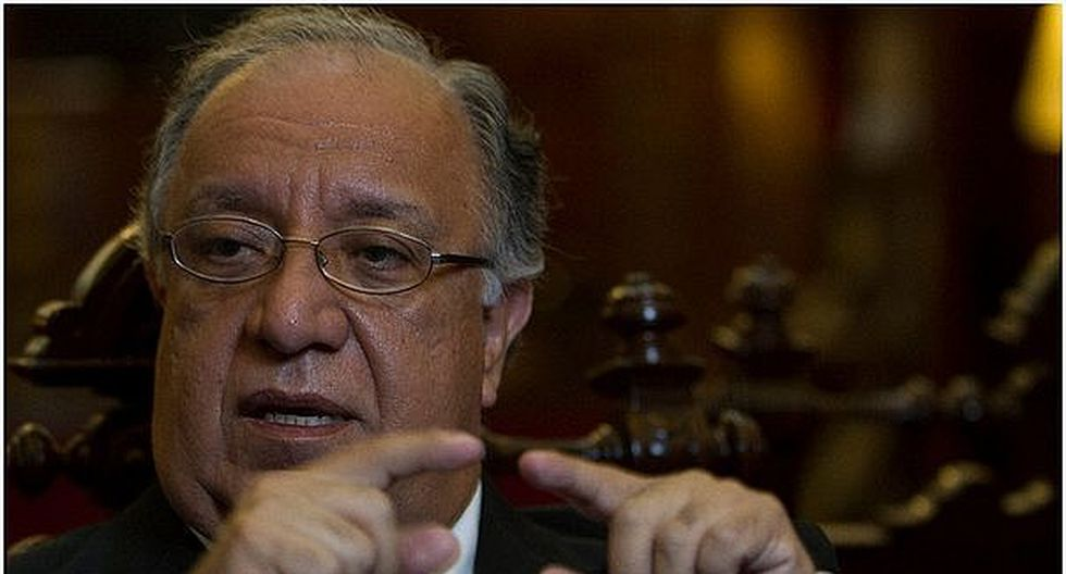 Fernando Tuesta cuestionó inasistencia de congresistas en Pleno durante debate de proyectos de la reforma política