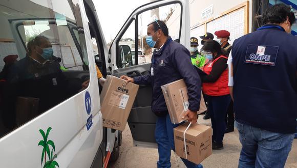 Material electoral es enviado a 197 centros de votación por el personal de la ODPE Tacna