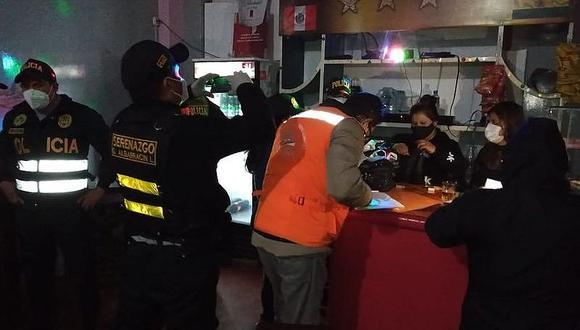 Intervienen dos cantinas con 32 personas en Tacna