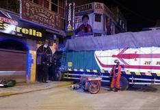 Camión se estrella contra un inmueble en Juliaca