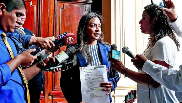 Marisol Espinoza presenta acción de amparo contra Martín Vizcarra