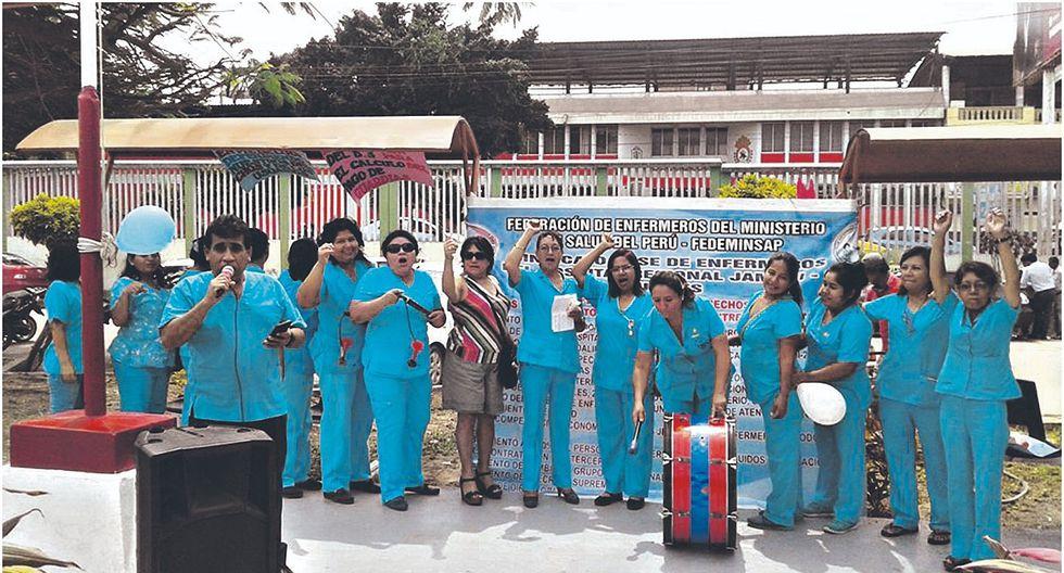 Médicos y enfermeras de Tumbes acatan paro nacional de 24 horas
