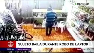 Los Olivos: Ladrón baila mientras roba una laptop