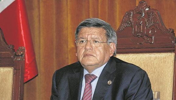 Acuña en contra de ley que prohíbe reelegir autoridades regionales
