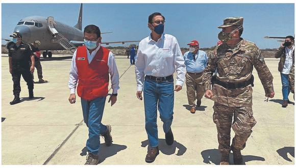 Durante su visita, el presidente de la República pidió no distraerse y seguir trabajando por el bienestar del país.
