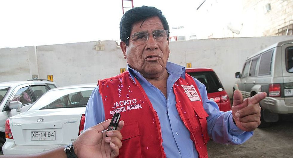 """""""Mi candidatura dependerá de una encuesta a la población"""""""