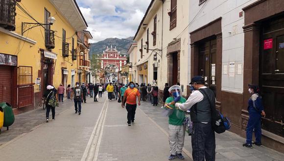 Dirección Regional de Salud Ayacucho, se encuentra en alerta máxima frente a la propagación de estas dos variantes que dentro de poco darán inicio a la tercera ola con cientos de infectados y muertes