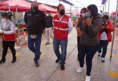 Ministro Salardi supervisa mercado temporal de Pueblo Nuevo