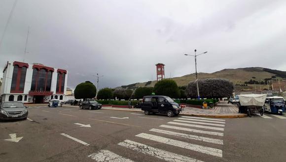 Asalto a mano armada ocurrió la noche del último viernes, en plena plaza de Armas de Huancané.