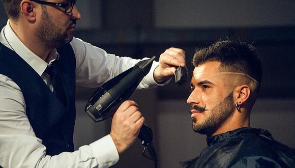 Conoce las causas y tratamientos para la caída del cabello por el Día del Padre. (Foto: Pixabay)