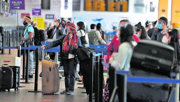 Foto referencial. El presidente de Apavit, Ricardo Acosta, recomendó acudir a las agencias de viaje para comprar pasajes de vuelos a Estados Unidos.(Archivo / GEC)