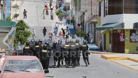 Se desató enfrentamientos en el cuarto día de paralización. (Foto: Leonardo Cuito)
