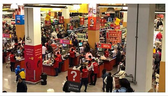 Censo 2017: limeños acuden de forma masiva a comprar en supermercados