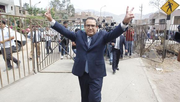 Alberto Otárola, virtual candidato a una vicepresidencia por el Partido Nacionalista, adelantó que una propuesta que llevará Ollanta Humala en la campaña será el cambio de la actual Constitución Política del Perú (Foto: Hugo Pérez/ El Comercio)