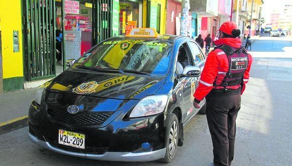 En tan solo un mes colocó unas 1250 multas por infracción vehicular