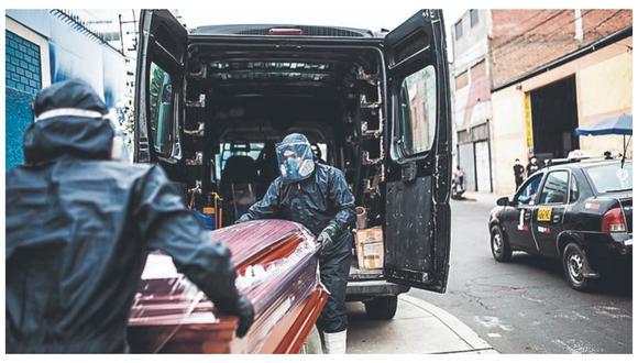 El director de EsSalud de Talara, Ricardo Zúñiga, reportó la muerte de 15 personas en el nosocomio en un día al acabarse el insumo.