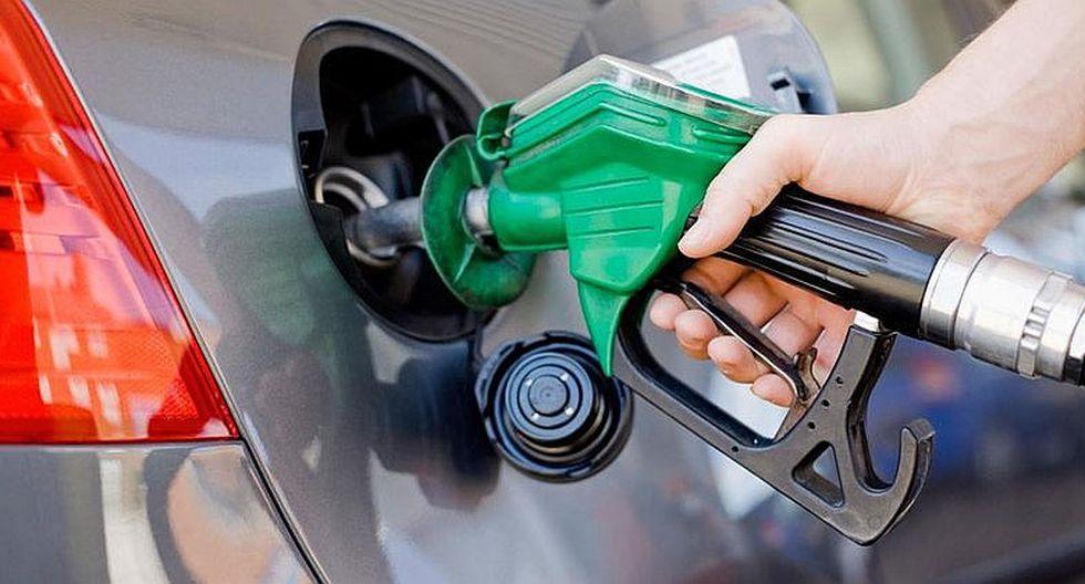 Precios referenciales de los combustibles retrocedieron por tercera semana