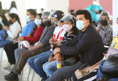 Jóvenes que no sean estudiantes universitarios serán vacunados este jueves