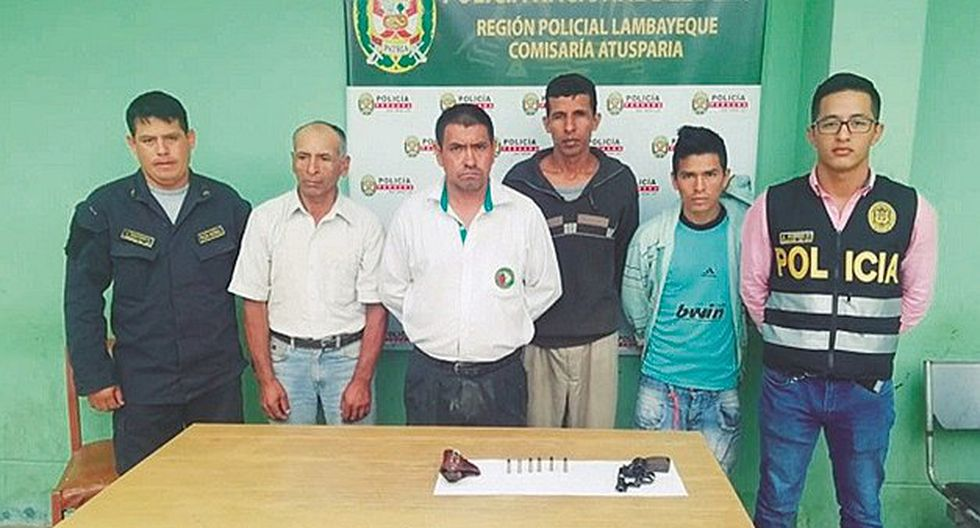 """Caen cuatro integrantes de la banda de abigeos """"Las Hienas de Pomalca"""" con un revólver"""