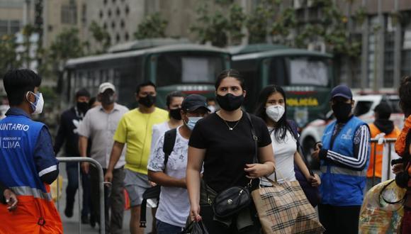 Ambulantes ocupan vías principales de la Av. Abancay. (Foto referencial: Violeta Ayasta /@photo.gec)