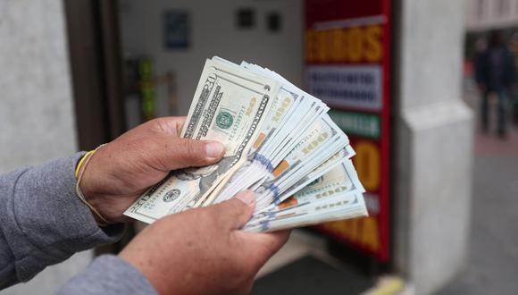 Especialistas señalan que este retroceso en la divisa estadounidense podría ser solo un efecto temporal. (Foto: GEC)
