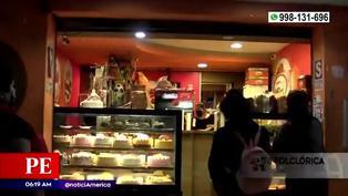 Delincuentes roban panadería de Comas y hasta aprovechan para comer las tortas