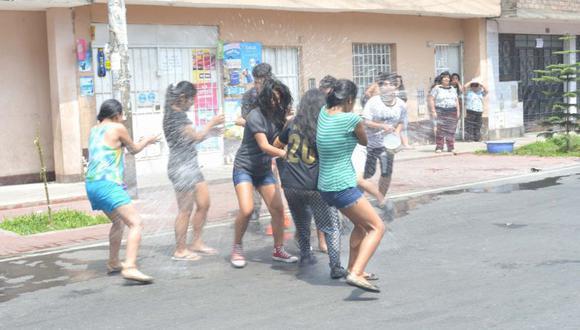El ministro de Cultura, Alejandro Neyra, informó este lunes que quedan prohibidos los carnavales y fiestas de carácter patronal. (Foto: GEC)