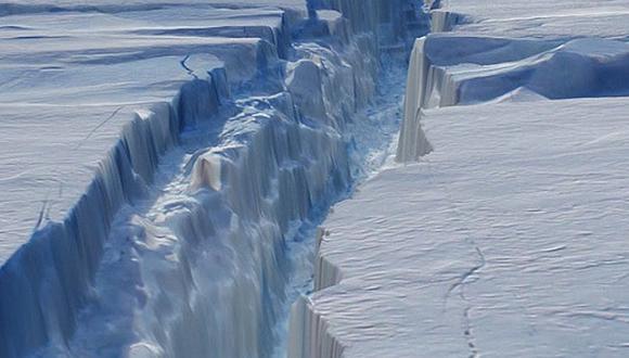 Dos enormes icebergs se desprenden de la Antártida