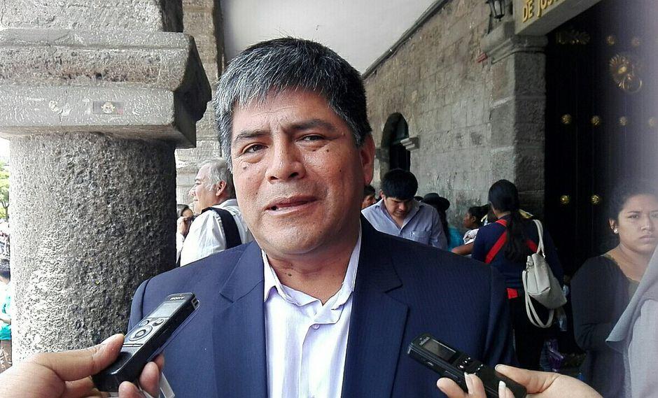 Por observaciones de 'forma', gobernador regresó ordenanza sobre Prider al consejo regional