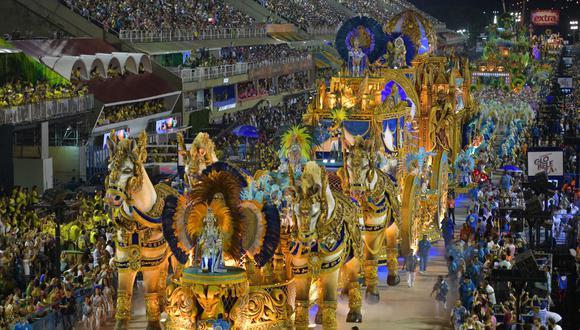 El Carnaval es el principal evento turístico de Río y el año pasado atrajo a 2,1 millones de visitantes, de los que 483.000 extranjeros, que dejaron ingresos por 900 millones de dólares y confirmaron a la ciudad como principal destino turístico de Brasil. (Foto: AFP)