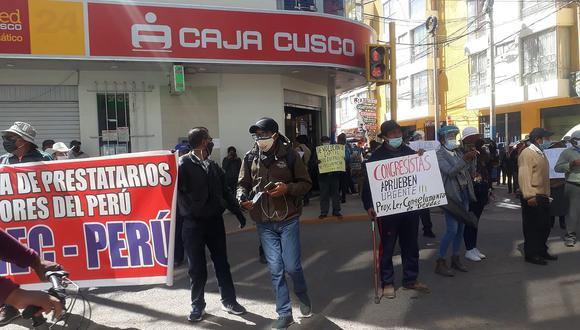 Prestatarios anuncian multitudinaria protesta contra bancos en Juliaca